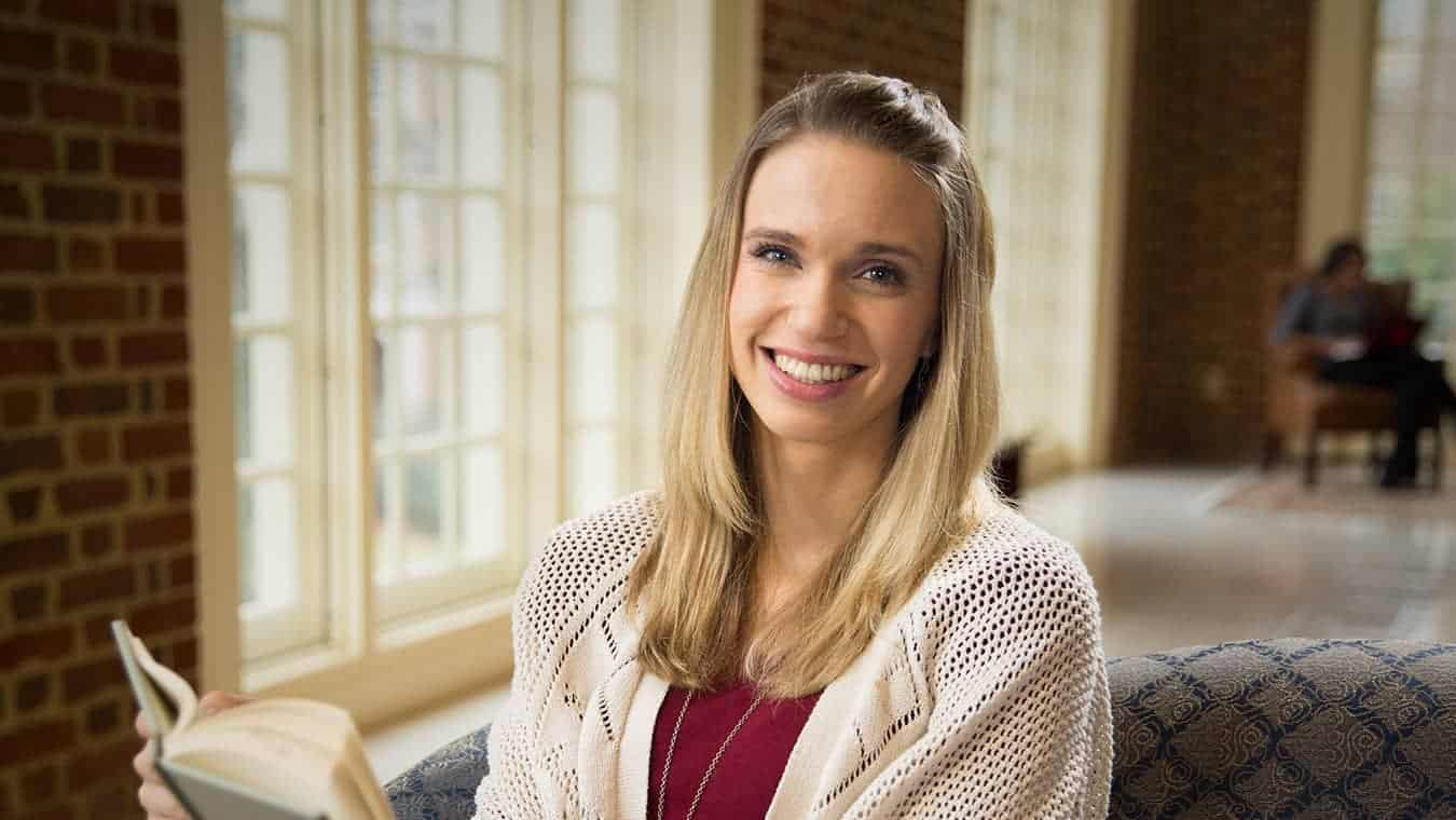 Pursue a Certificate of Graduate Studies in Psychology and Counseling at Regent University.